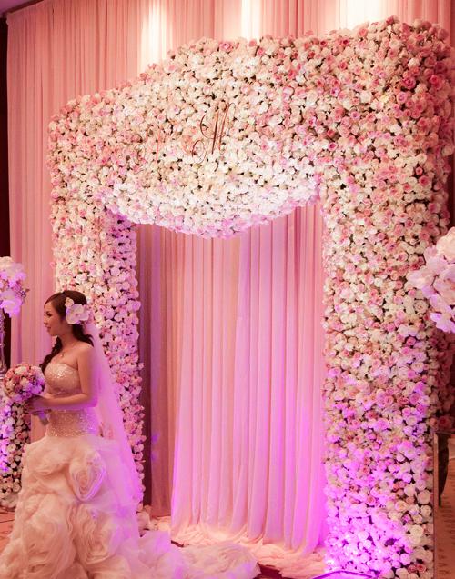 Trang trí đám cưới màu hồng pastel sang trọng