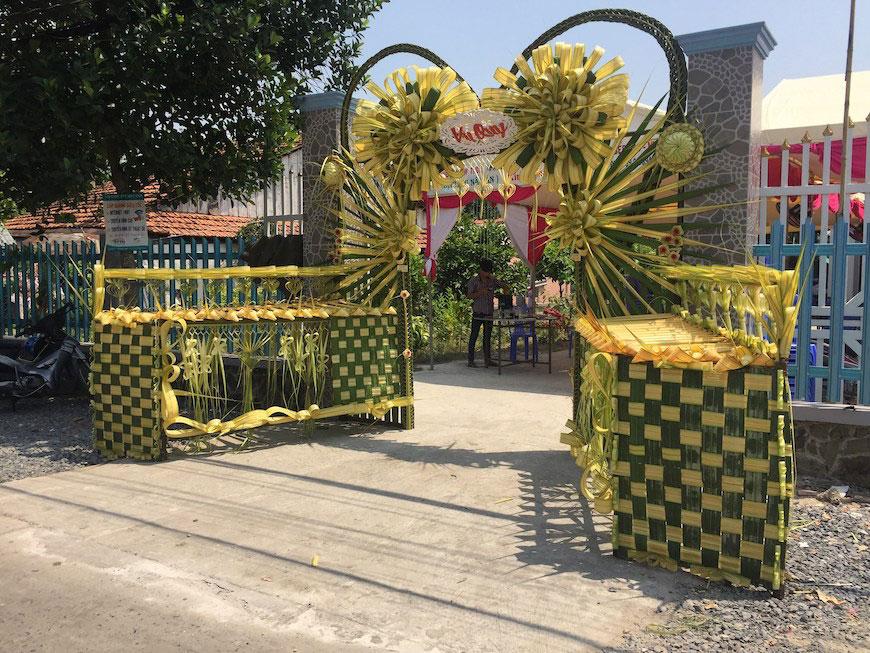 19 mẫu cổng cưới lá dừa cực đẹp của vùng miền Tây sông nước