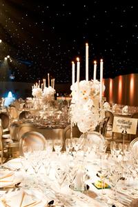 Những ý tưởng trang trí bàn tiệc lộng lẫy cho mùa cưới 2015