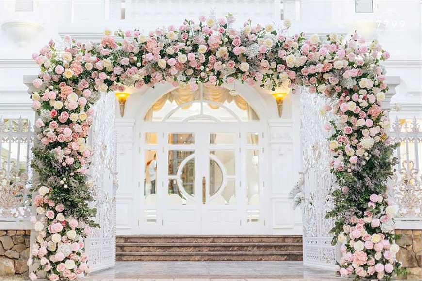 Mẫu cổng đám cưới bằng hoa đẹp 2019