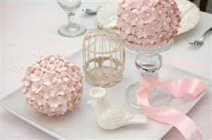 Hướng dẫn làm quả cầu hoa giấy đơn giản cho đám cưới