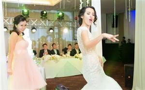 Cặp cô dâu chú rể siêu quậy nhất Việt Nam