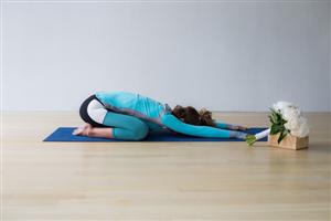 5 Tư thế tập Yoga giảm stress cho cô dâu