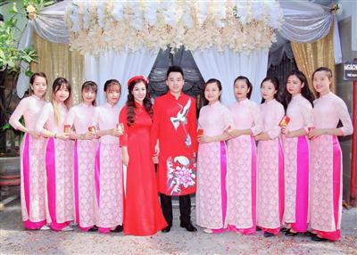 Cuoi hoi tron goi Song Huyen