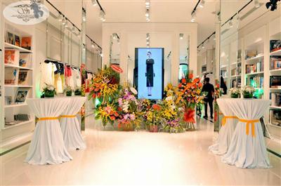 Khai trương showroom thời trang 41 Tràng Tiền