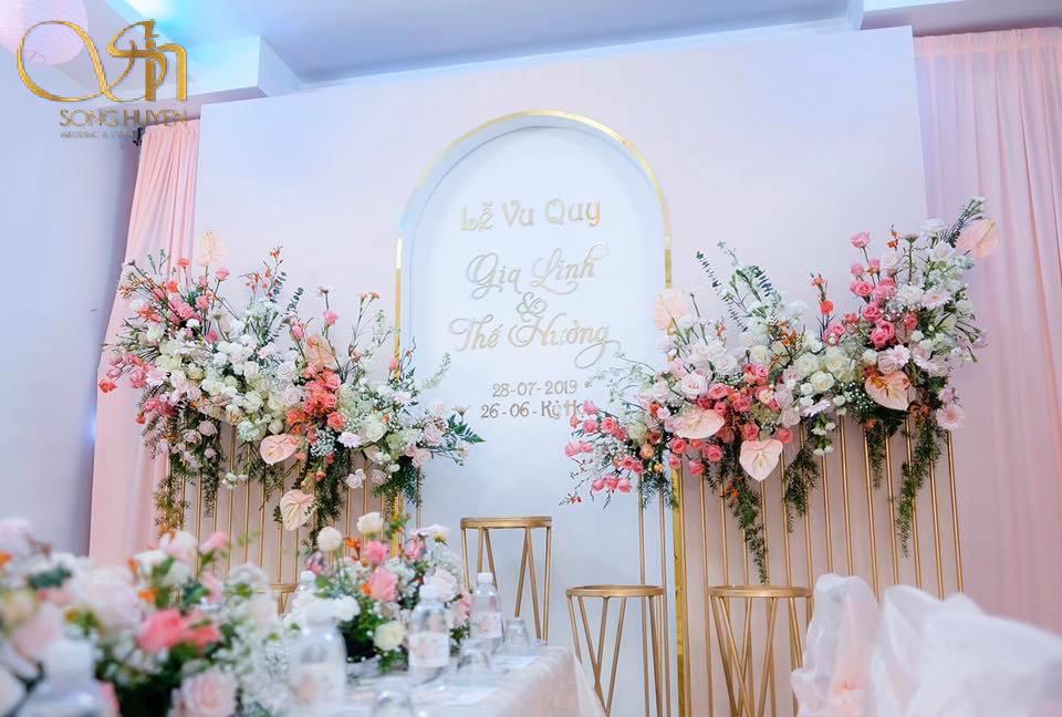 Gợi ý chọn hoa cưới để bàn tiết kiệm, tươi lâu