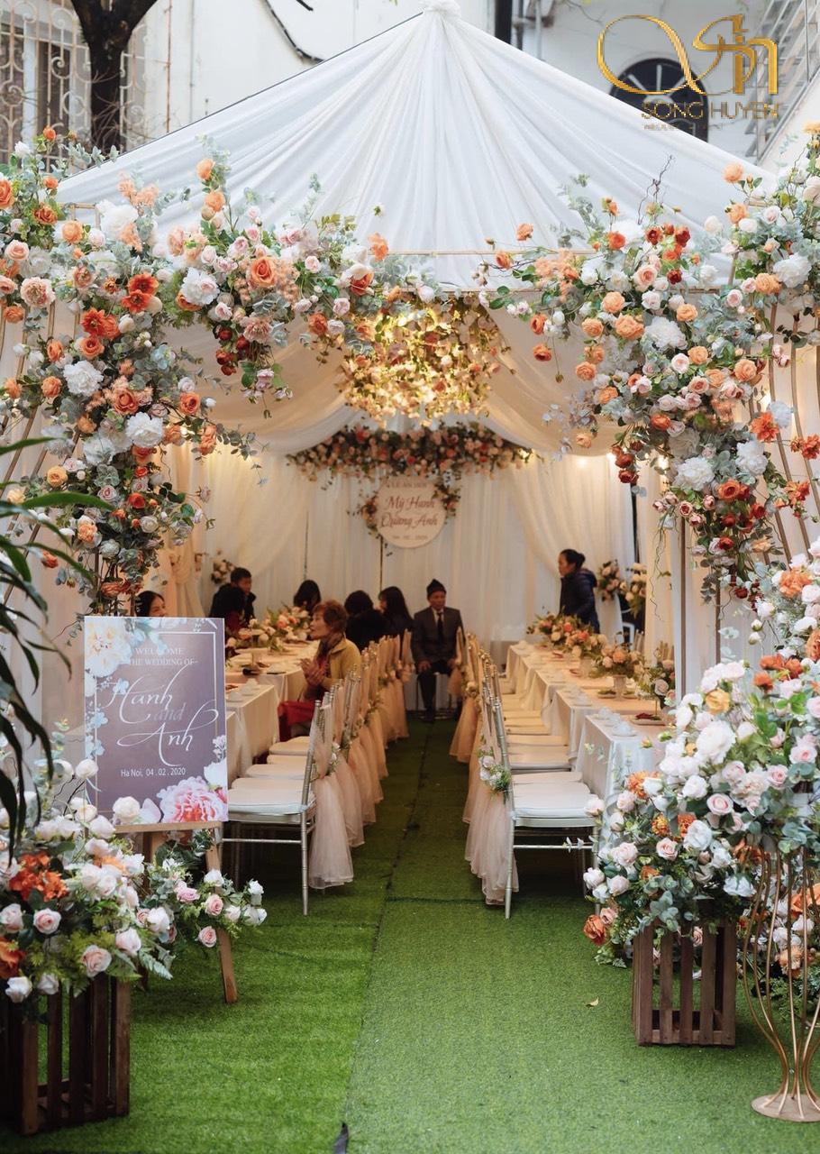 Tổ chức tiệc cưới buổi tối cần lưu ý điều gì? Dịch vụ tổ chức tiệc cưới đẹp, độc, rẻ