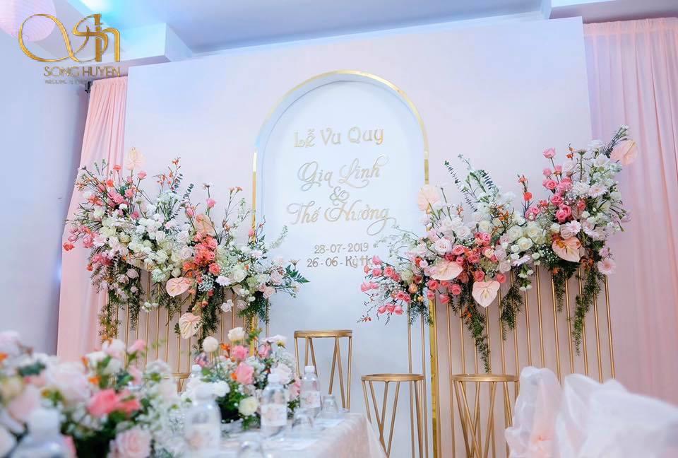 Xu hướng trang trí sân khấu đám cưới mới nhất 2020